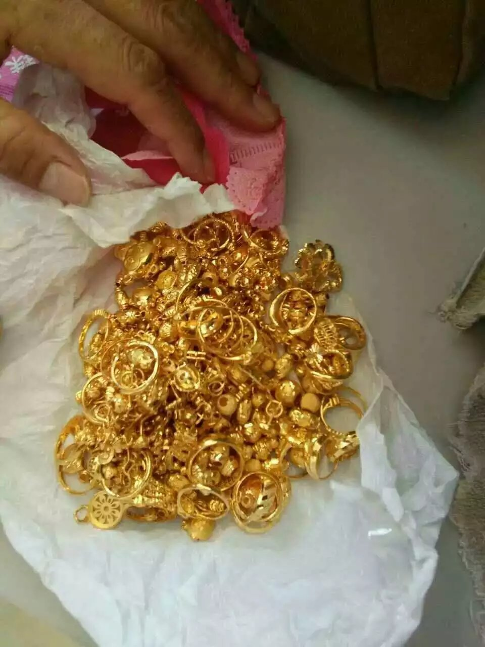 宁河今日最新黄金回收价格查询宁河回收黄金多少钱一克