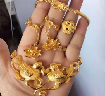 天津东丽区华明黄金回收价格人实在价格高可信赖